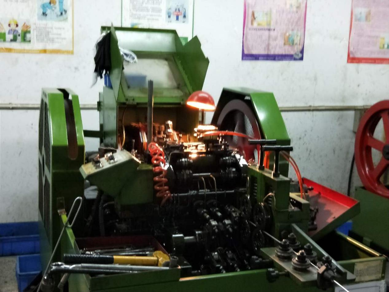 抽芯铆钉生产车间